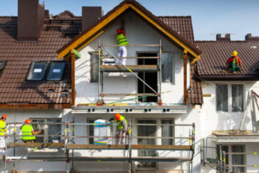 Как правильно ремонтировать фасад здания