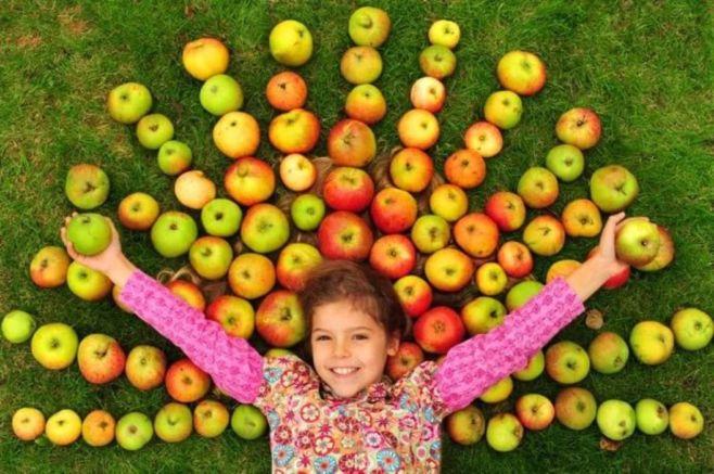 Как праздновать Яблочный Спас с детьми