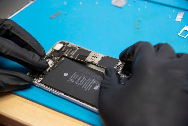 Почему не работает сенсор iPad4