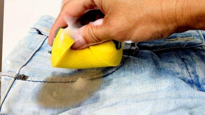 Как удалить пятно с одежды