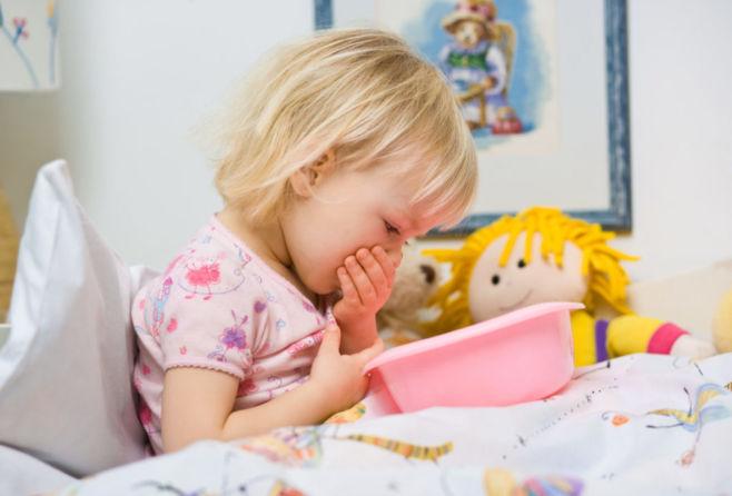 Помощь при отравлении ребенка