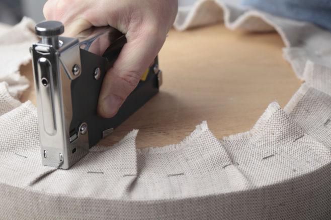 Как поменять обивку мебели