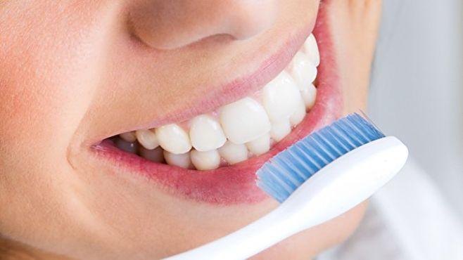 Как правильно чистить зубы видео