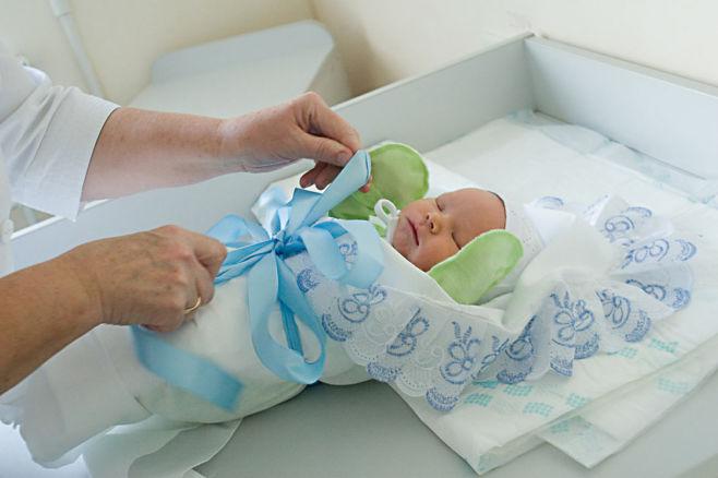 Что нужно малышу после роддома?