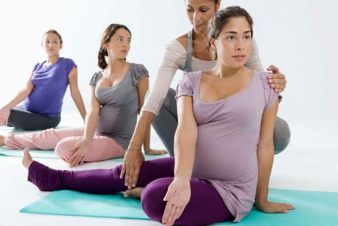 Почему нужно заниматься йогой для беременных