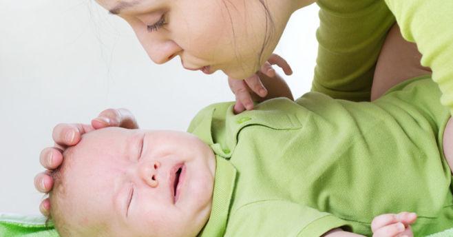 Как избавить ребенка от колик